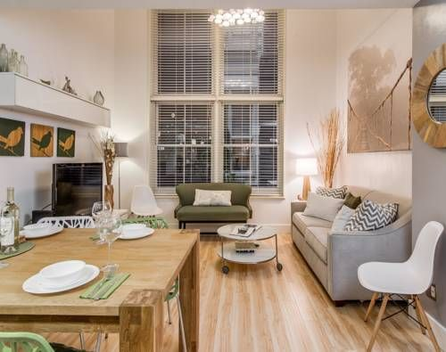 Harmony Loft Nashville (Tennessee) Situated 700 metres from Nissan Stadium Formerly LP Field and 9 km from Grand Ole Opry, Harmony Loft offers accommodation in Nashville. The air-conditioned unit is 400 metres from The District. Free WiFi is featured throughout the property.