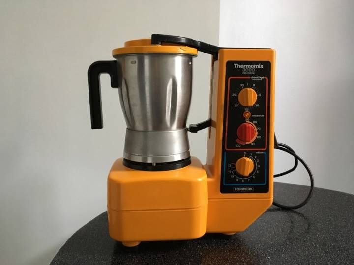 robot de cuisine vintage ann es 1980 robot thermomix 3000 lectronique de marque vorwerk. Black Bedroom Furniture Sets. Home Design Ideas