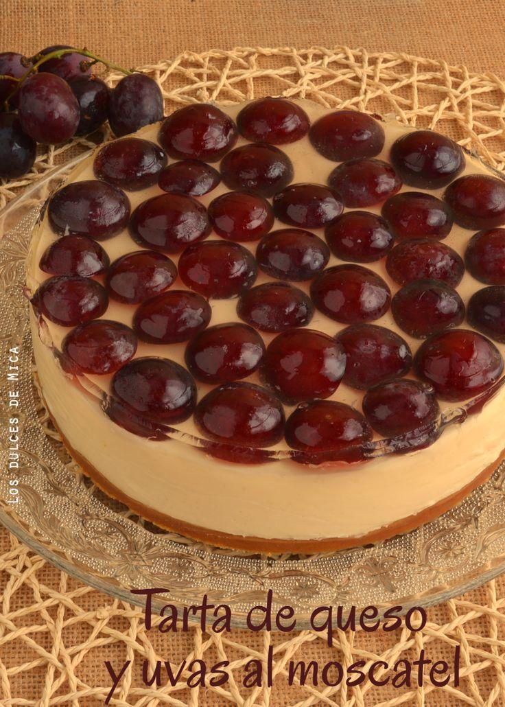 Dulce, fresca, deliciosa ... tarta de queso cubierta con una capa de gelatina de moscatel sobre  uvas Red Globe.