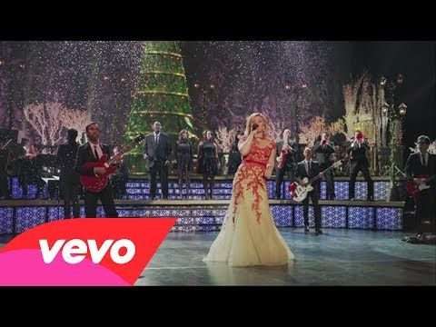 ▶ Kelly Clarkson - Underneath the Tree