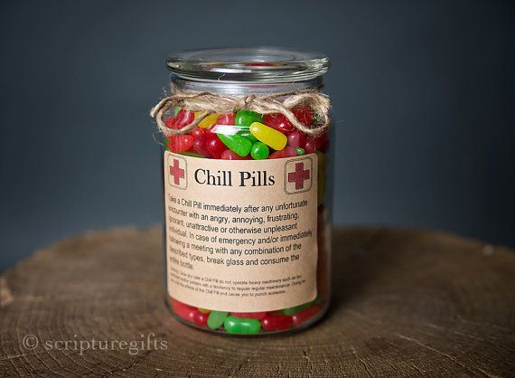 Having a bad day? Take a chill pill! This fun Chill Pill jar (candy not included) makes a perfect gift for anyone who appreciates a little humor within frustrating situations. Want to add your business logo and relate these to your business? Message me for more information on how these can be customized!   ITEM SPECIFICATIONS  ★Size: 16oz Apothecary Jar ★Finish: Glass  ★Color: Clear Jar With Kraft Paper Label    ★Size: 24oz ★Jar Dimension: 4 Diameter x 5 2/3 Height plus lid, Base 4, Top 3…