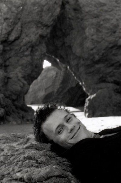 heath ledger | untimely death | 27 club | australian actor | black and white | smiles