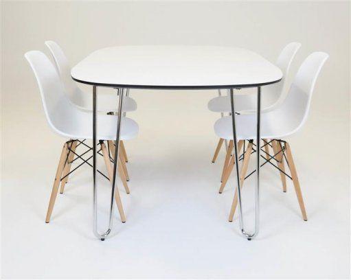 Nu har vi blivit helt galna som säljer denna moderna stilfulla matgrupp för endast 4945 kr Prado matgrupp med 4 snygga Carolina stolar Rejält bord med rejä...