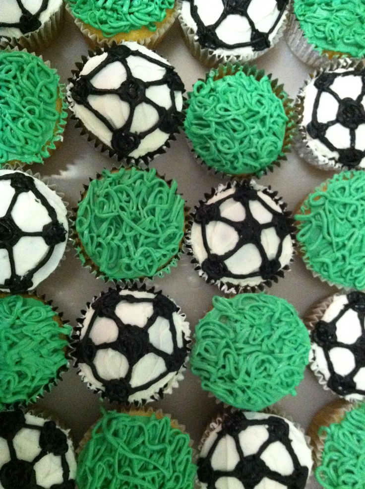cupcakes I made for a soccer team's end of year party