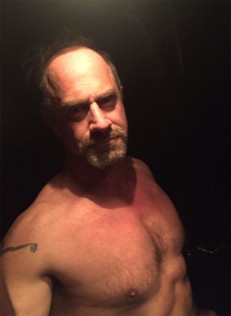 Chris Meloni is ready to start a (shirtless) revolution. On Wednesday night, Chris Meloni joined the ranks of many fellow celebs, taking to Twitter to share a political message — alongside a shirtless pic.