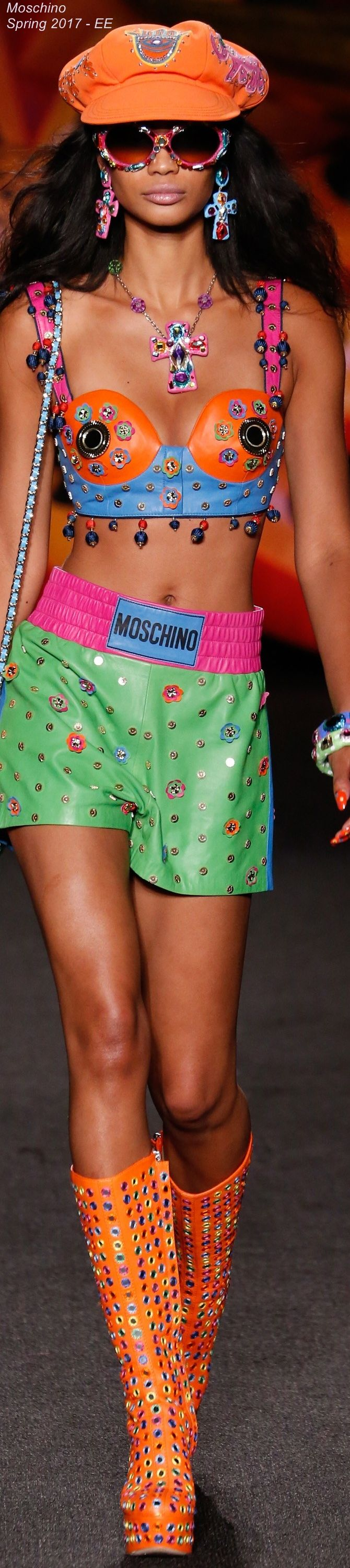 Spring 2017 Menswear Moschino - EE
