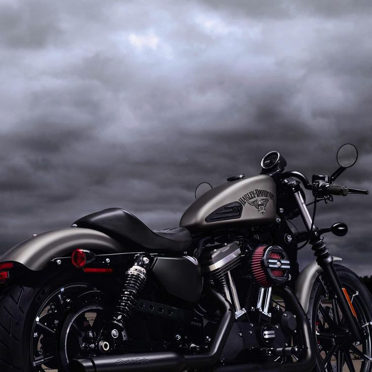 Custom 2016 #Iron883.  #HarleyDavidson #RollYourOwn