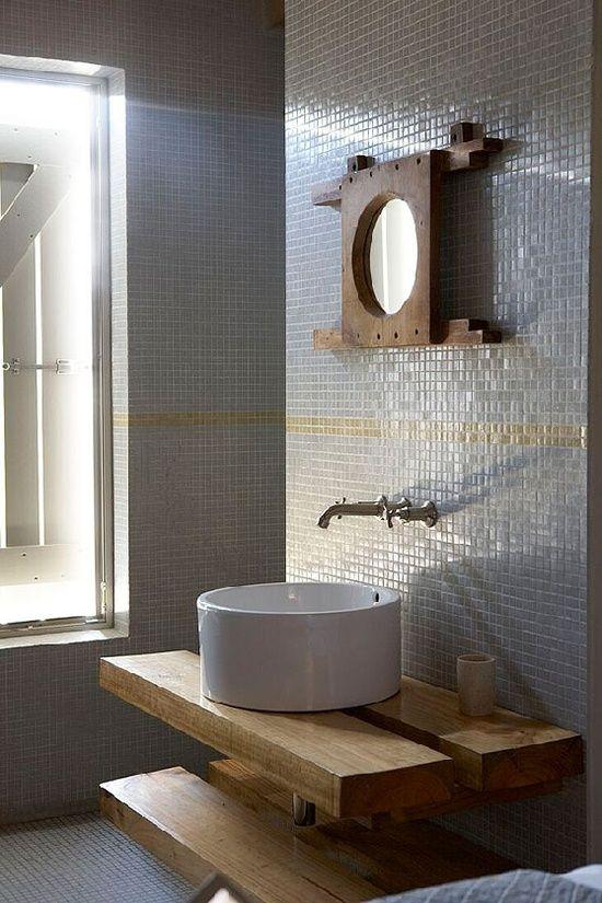 Salle de bain bois et mosaïque