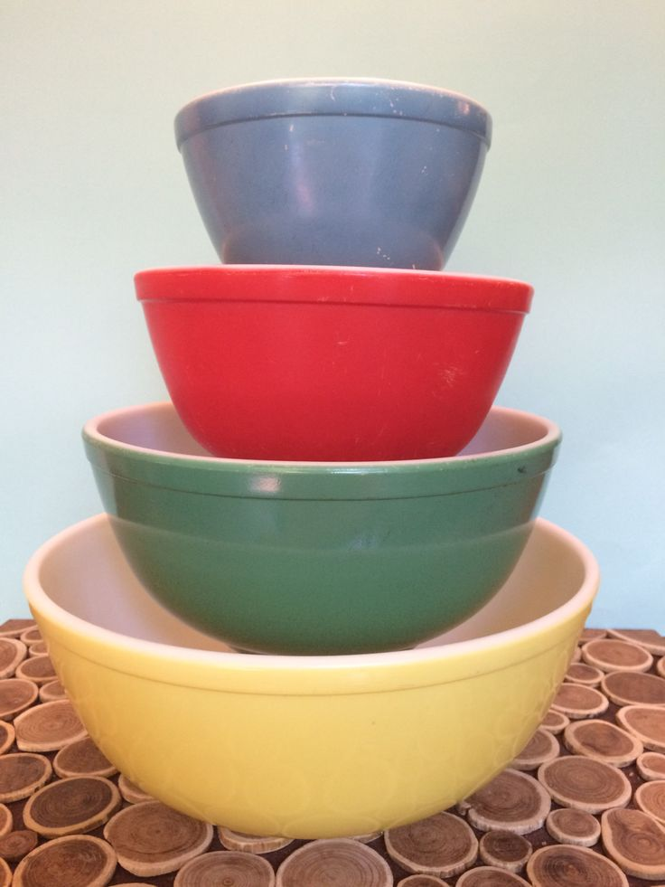 Pyrex Mixing Bowl Set - 401 402 403 404 - Primary Colors - Midcentury Modern Atomic Vintage Bakeware by 20thCKitchenAndTable on Etsy