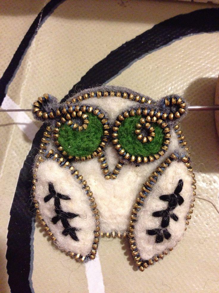 Felted owl brooch!