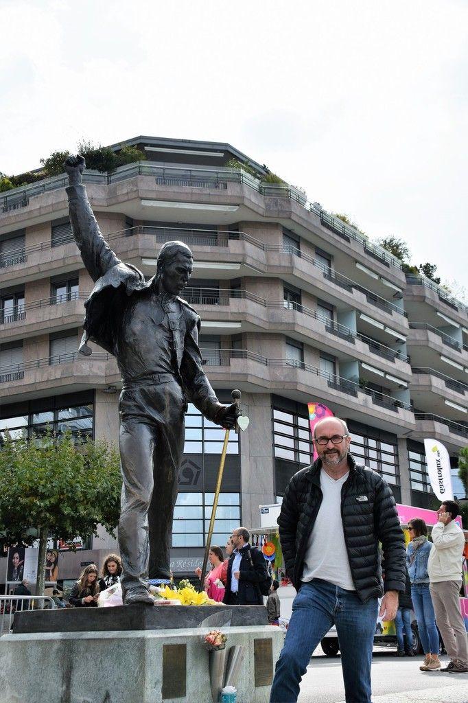 montreux avec la statue de freddy Mercury le chanteur de Queen