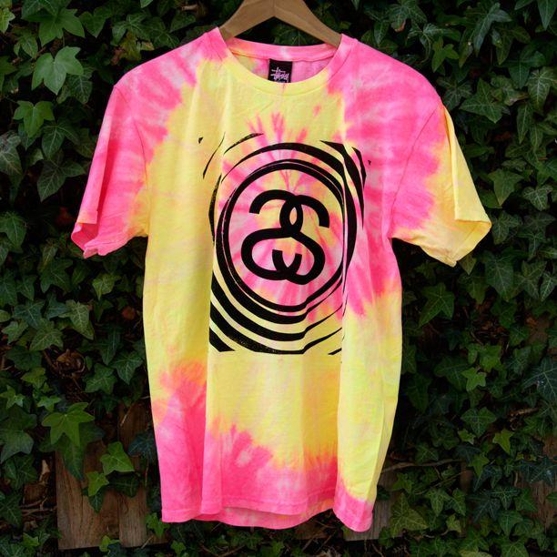 STUSSY SPIRAL TIE DYE T SHIRT PINK www.attitudeinc.co.uk/stussy-spiral-tie-dye-t-shirt-pink/prod_6589.html