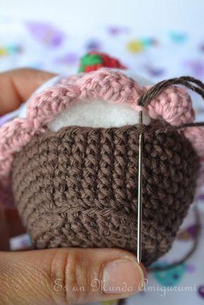 Es un Mundo Amigurumi: Cupcake!!!! Patrón gratis ☂ᙓᖇᗴᔕᗩ ᖇᙓᔕ☂ᙓᘐᘎᓮ http://www.pinterest.com/teretegui