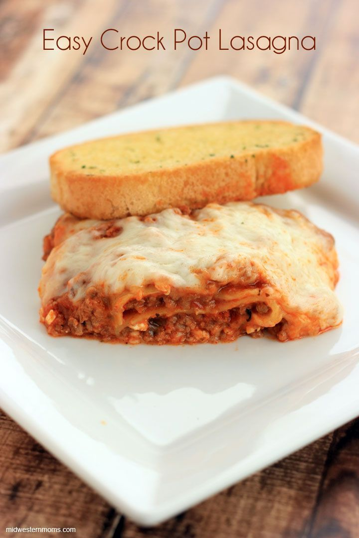 Lasagna can't get any simpler with this Easy Crock Pot Lasagna AD #BertolliTuscanTour