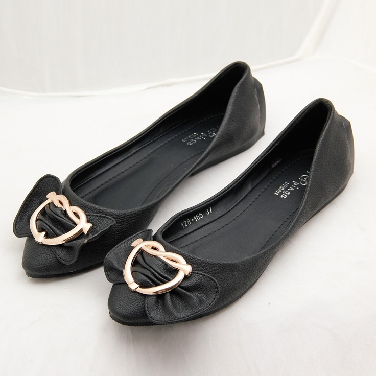 Black Flat Ballerinas class=