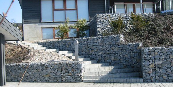Best 20 gabion baskets ideas on pinterest gabion retaining wall gabion wall and gabion cages - Building river stone walls with mortar sobriety and elegance ...
