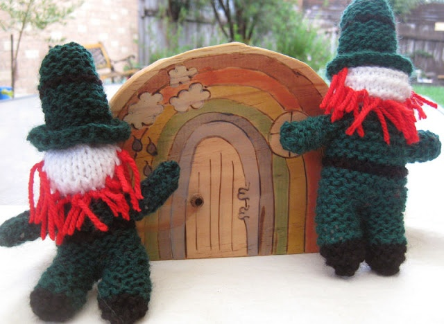 Knitted leprechauns {a tutorial}: Leprechaun Patterns, Seasons Knits, Aaknit Patterns, My Girls, Knits Ideas, Knits Stuff, Rainbows Doors, Knits Projects, Knits Leprechaun