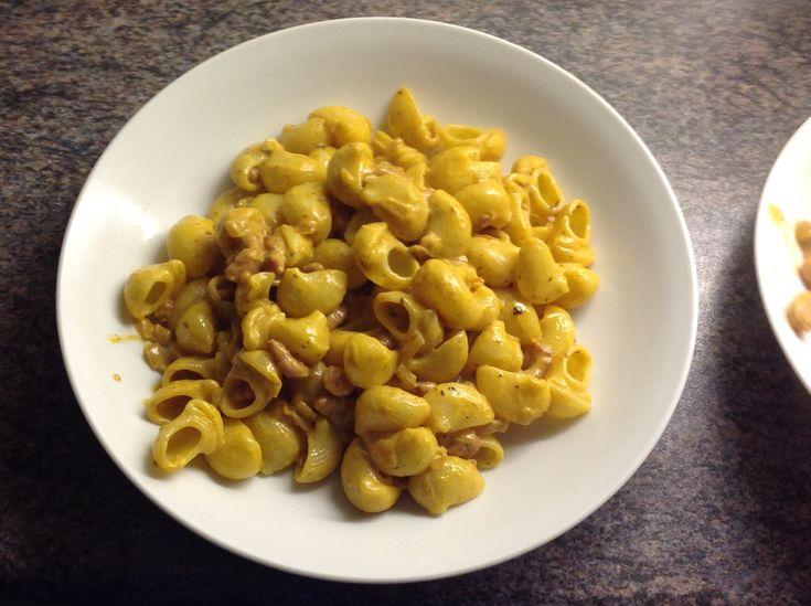 30 december 2017 - Macaroni met spek en tomatenroomsaus - libelle lekker online - macaroni vervangen door andere pasta - 7,75/10 - zeer snel klaar en toch lekker.