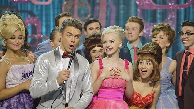 i love doves face in this #cwd #macysparade #tagsforlikes #hairspraylive #dovecameron #ambervontussle #hairspray #musicals #nbc @dovecameron