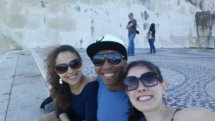 Em Belém em Portugal com Camila e Joana.
