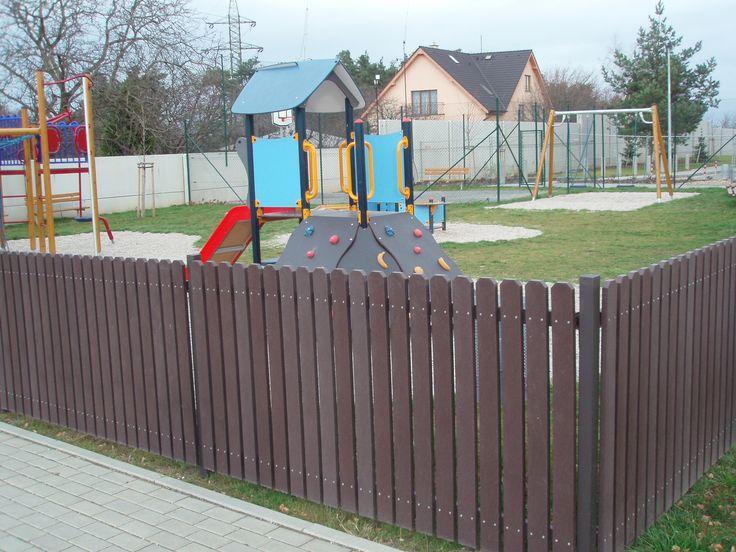 Plastový plot z recyklátů
