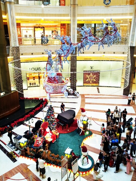 Christmas in Mall Pacific Place,  Indonesia