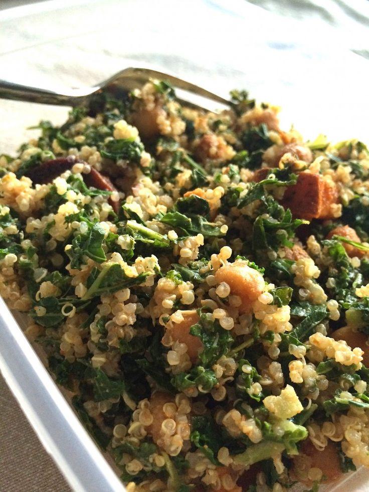 boerenkool salade met quinoa, zoete aardappel en knoflook-tahin saus