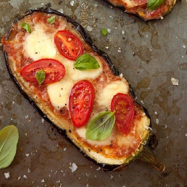 Baked eggplant pizza looks delicious!!!