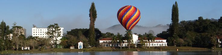 Linda vista panorâmica do Parque das Águas e Hotel Brasil. Venha voar em São Lourenço e hospedar-se no Hotel Brasil.