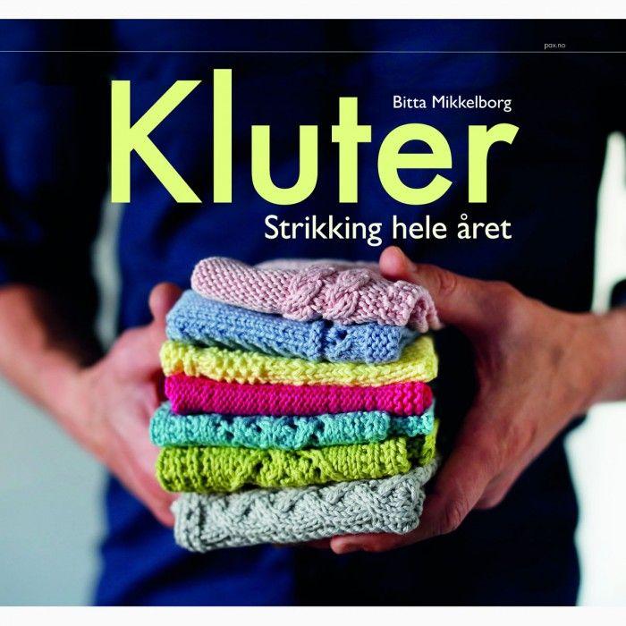 Kluter, strikking hele året av Bitta Mikkelborg, finner du 52 oppskrifter på kluter – en for hver uke av året. Å strikke kluter har vært en trend lenge, de er både nyttige, men også en perfekt gave.