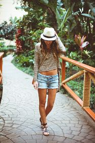 Twenties Girl Style: Misty Day - Hawaii Outfit 3