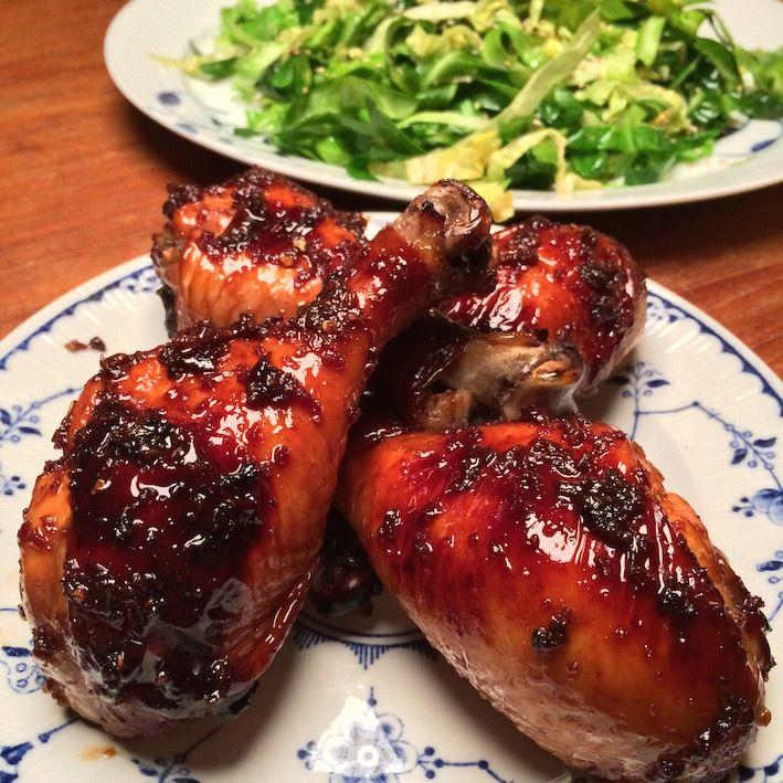 Asiatiske kyllingelår med lynstegt spidskål • Steg & Bras