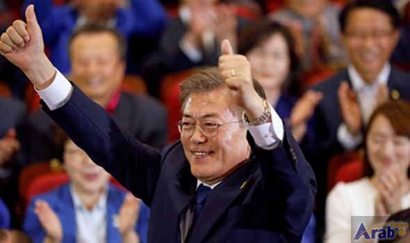 Liberal Moon Jae-in expected to win S.Korea's presidency: Exit polls