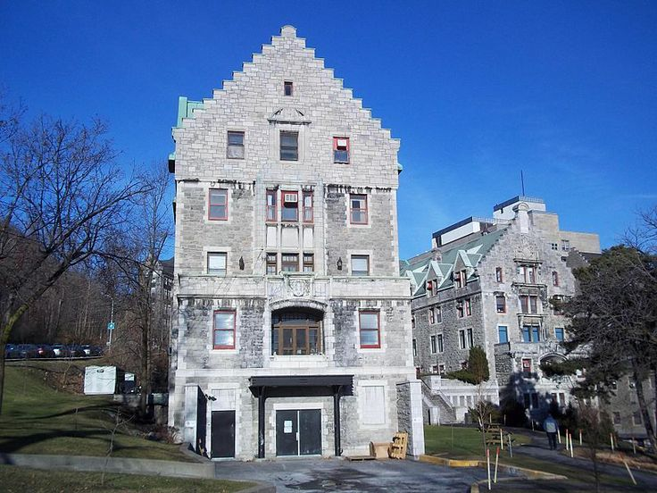 One of the first purpose-built nurses' residences in Canada, located on the Royal Victoria Hospital campus; symbolic of the history of training and the professionalism of nurses in Canada