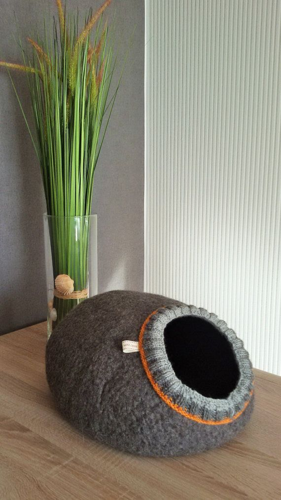 Pet bed  cat cave  cat house  dog bed  handmade wool by kadabros