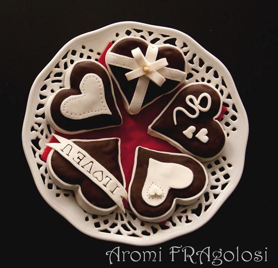 Biscotti di San Valentino al cioccolato con ripieno di marmellata