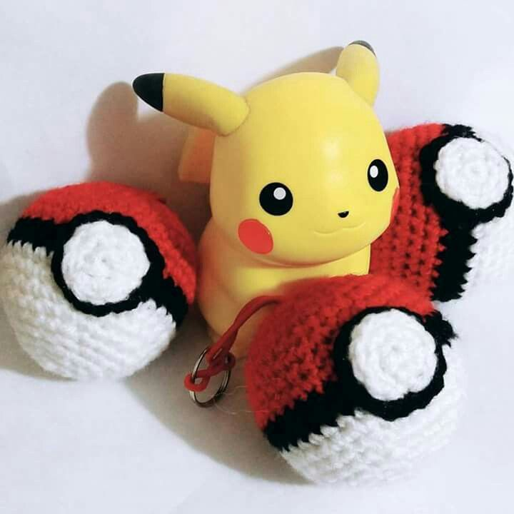 Pokebolas Amigurumi #Pokémon #pokebola #amigurumilife