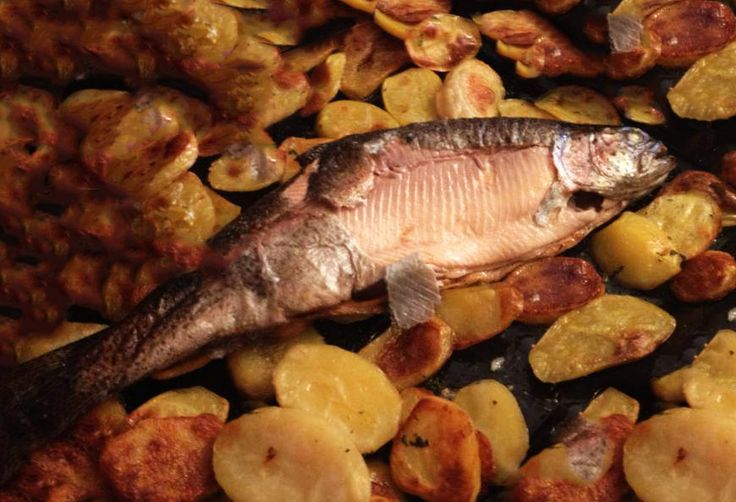 trota salmonata con patate #ricettedisardegna #sardegna #sardinia #food #recipe #cucinasarda