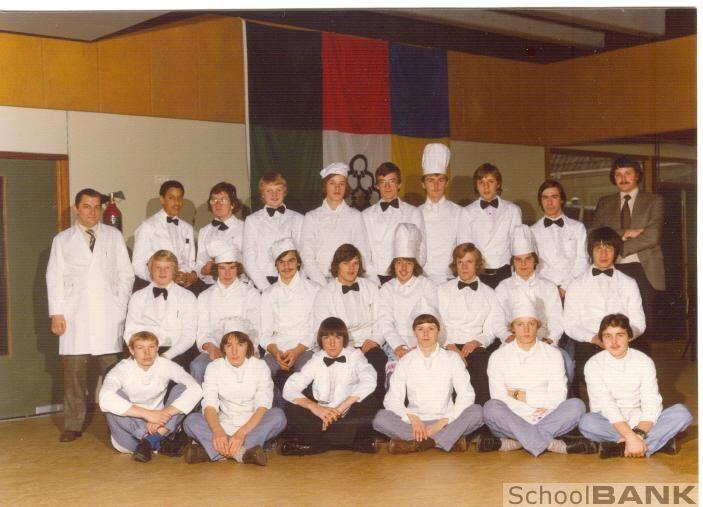 SchoolBANK.nl - Klassenfoto 's 1e Algemene Technische School