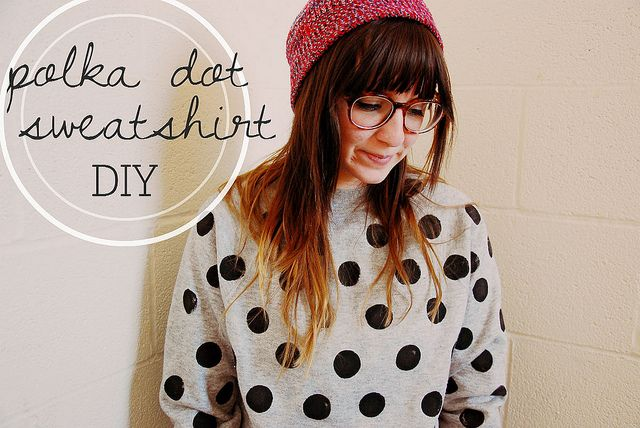 Polka dot sweatshirt DIY - Very nice and easy! Just started making mine now!
