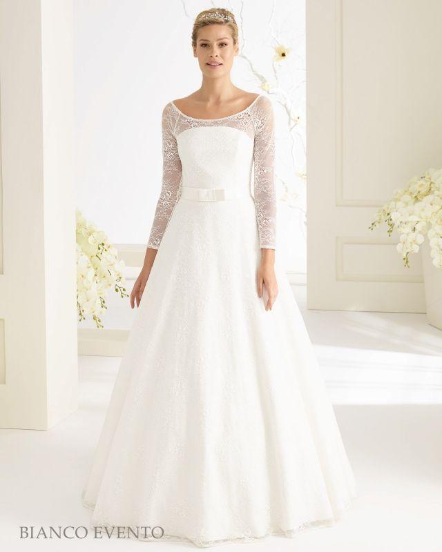 Nieuwe bruidsjurk 2017 collectie : Bella bruidsjurk met lange mouw. | Lange bruidsjurken | Nikita Bruidsmode Tweedehands ( eenmaal gedragen) outlet en Nieuwe trouwjurken! Budget, geheel klaar voor 1000,-