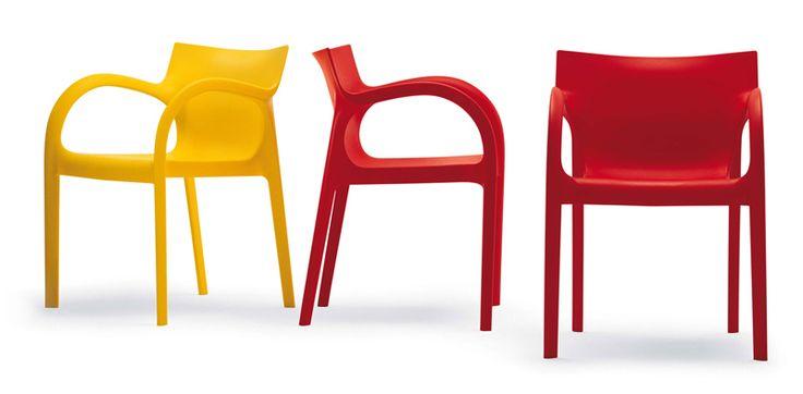 Vuoi dare un tocco di colore alla tua casa? Allora POPPYSTAR è la sedia che fa per te: è disponibile rossa, gialla, turchese, rosa, avorio e menta...solo su Italia-Mobili ->  http://www.italia-mobili.it/sedie/245-sedia-impilabile-poppystar-s0400.html
