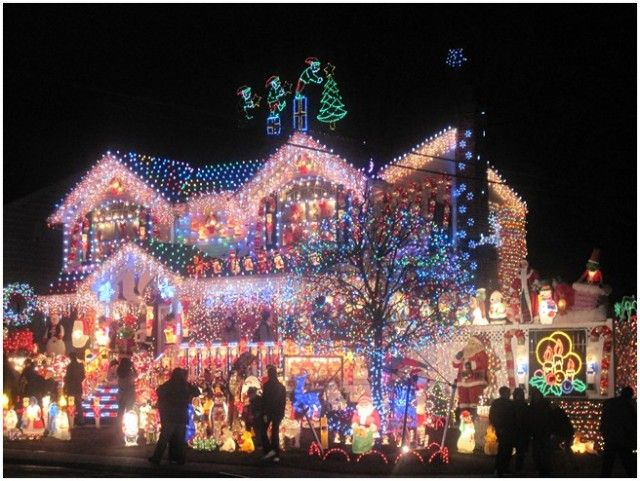"Awesome Christmas Lights On House | Hope The Phrase ""If One Goes Out, They All Go Out"" Doesn't ..."