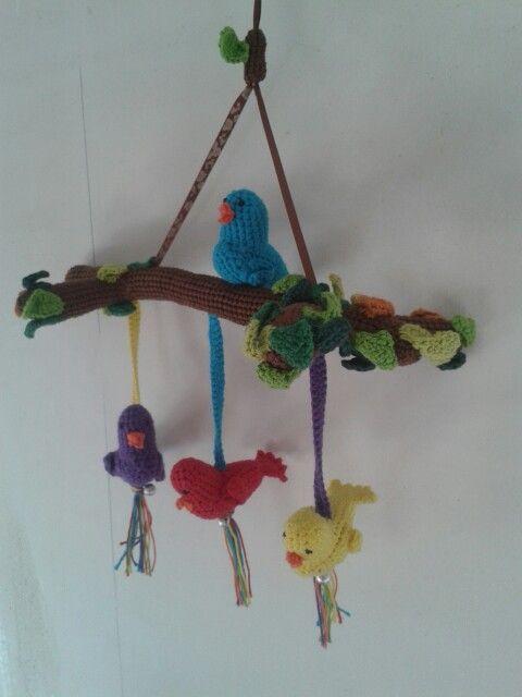 Vogeltjes mobiel gehaakt
