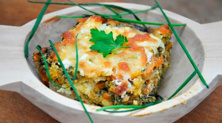 Lentils and Veggies Gratin | Linte cu legume gratinate la cuptor  -  This recipe appears in English and Romanian.  Its a lucious blend of lentals and veggies into a beautiful vegetarian casserole.
