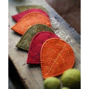 Hojas de otoño. http://www.tienda-online.decoracionydetalle.com/42-60-thickbox/adornos-de-navidad-hojas-de-otono.jpg