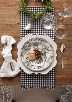 Update your tableware with a #HomeGoodsHappy printed plate. Mix and match with fabric, like we did here with some black and white buffalo check!   Get more inspiration on our blog for all things dining!