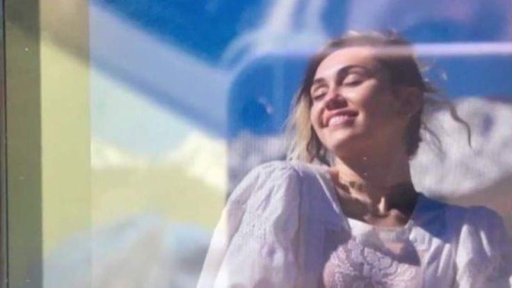 Promi-News des Tages: Zeigt dieses Foto Miley Cyrus als Braut?
