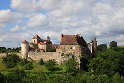 Chantelle l abbaye route au coeur de la vallee de la sioule routes touristiques de l allier guide touristique auvergne