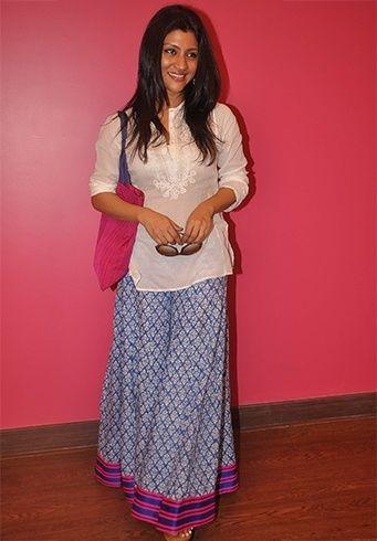 Konkona Sen in cotton skirts